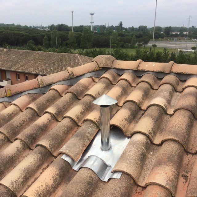 Étanchéité en zinc pour conduit de ventilation à Toulouse